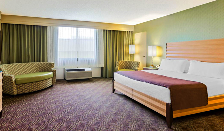 1 King Bed Executive with Sofa Bed Nonsmoking in Holiday Inn San Jose - Silicon Valley, California